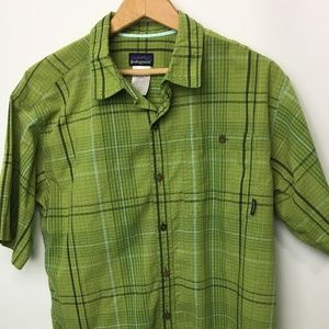 Men's Patagonia Button Up Plaid SS Shirt - Med